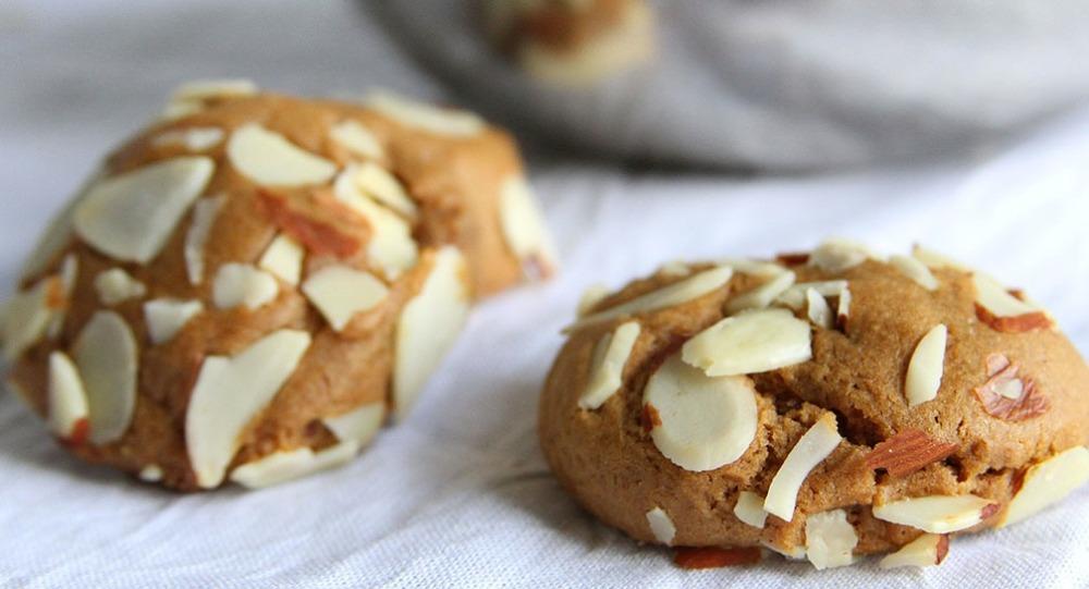 Almond Gingerbread Cookies Doughmesstic_Recipes_1007x545